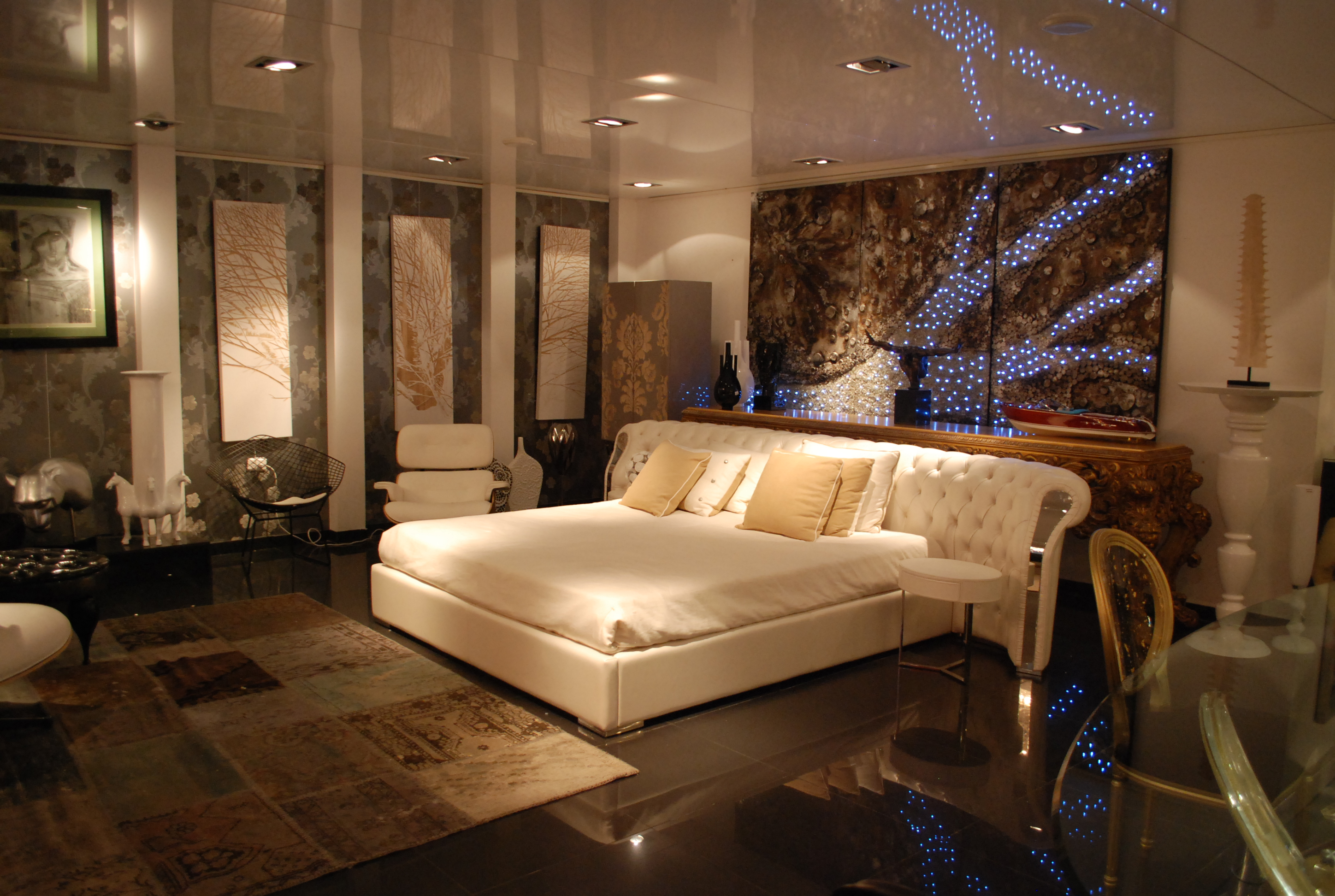White Modern Bedroom By Envy Interiors Vick Vanlian