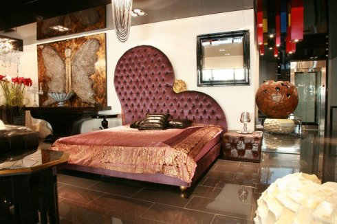 Royal Bed by Envy Interiors, Galerie Vanlian, Vick Vanlian