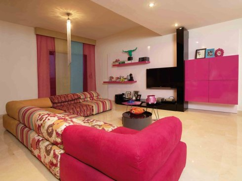 Pink living room by Galerie Vanlian, Envy Interiors, Vick Vanlian