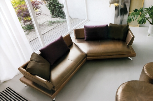 Antonio: Four seater sofa comfortable and spacious enough to fit the whole family.
