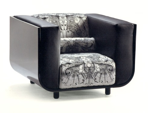 Normandie armchair (Versace): With the Normandie sofa Versace Home offers an original interpretation of upholstery.