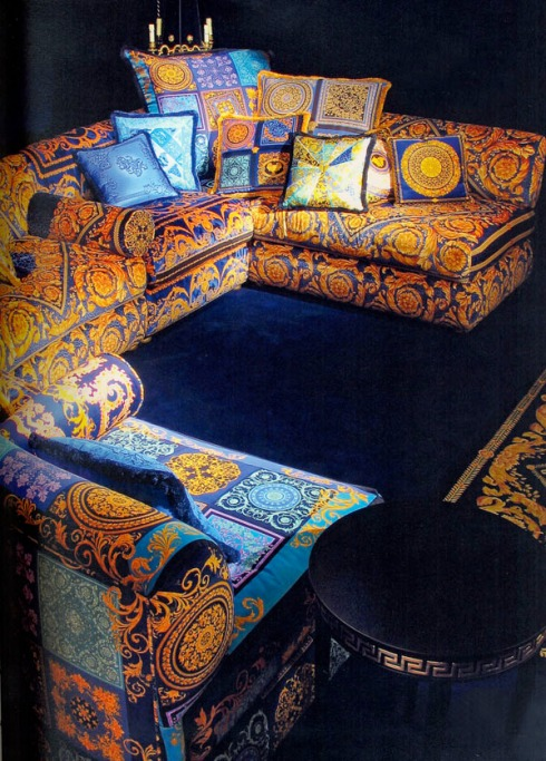 Pamir Sectional Sofa by Versace: A wide range of coordinates illuminated by bright and glamourous colors.