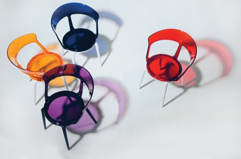Luna: Colorful chairs all made in Italy by Softline