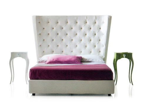 Queen: Feel like a queen on this unique high back bed design.