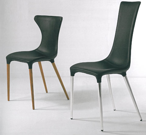 Jessica & Rabbit: Chair in foamed metal structure covered in leather, designed by Gino Carollo.